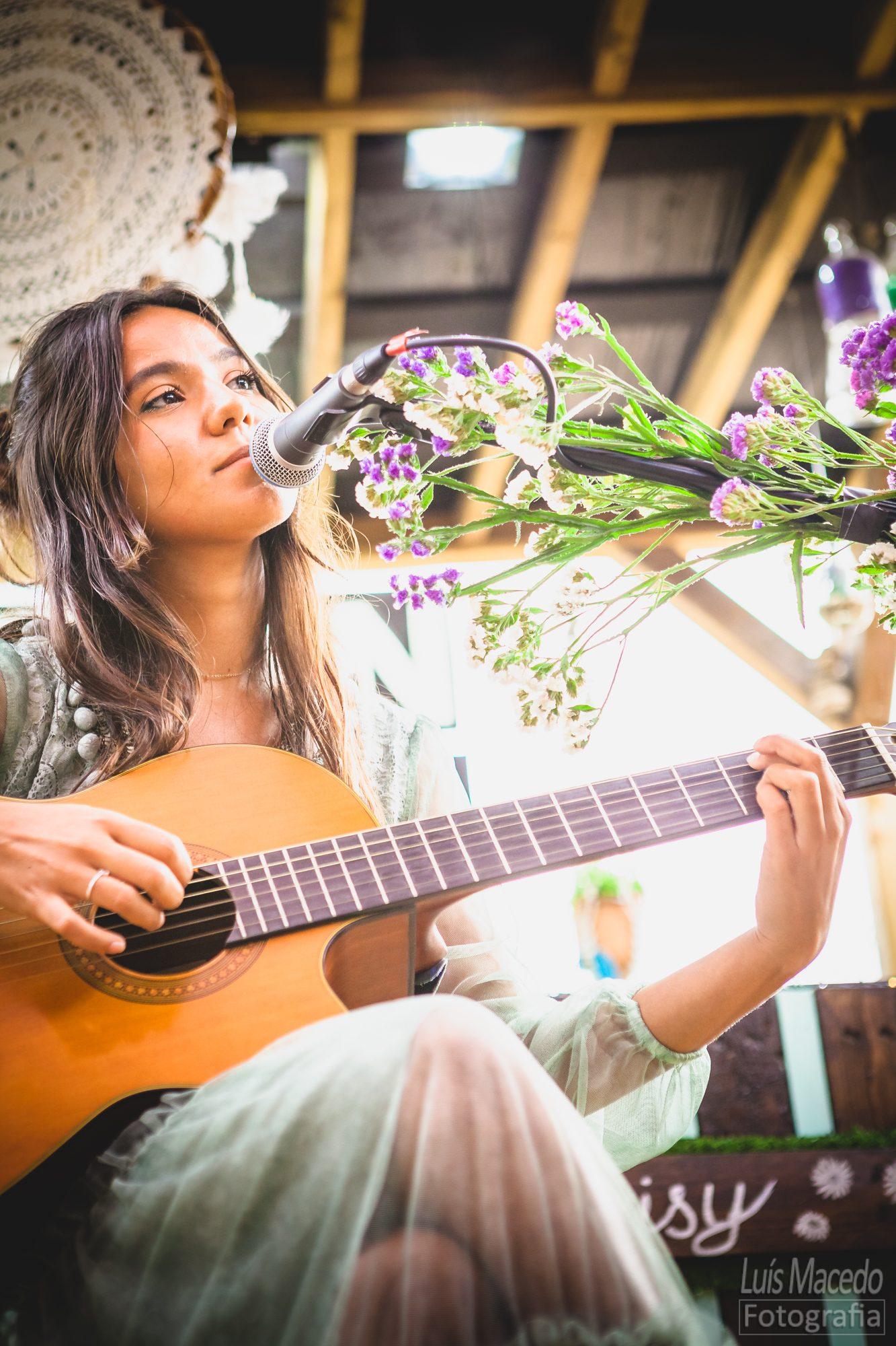 taina musica apresentação disco cantautora showcase greenhouse poesia voz sonho