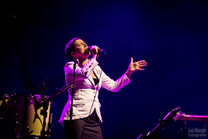 festival groove cascais 2017 musica reportagem concerto pimba bruno nogueira cla