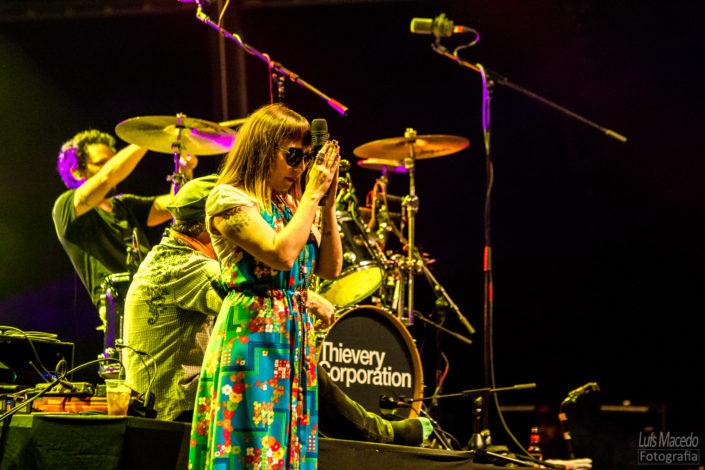 festival groove cascais 2017 musica reportagem concerto electronica thievery corporation