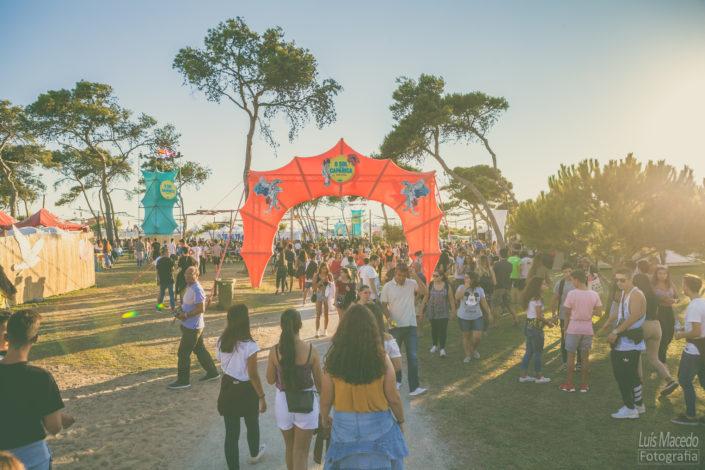 festival sol caparica musica portuguesa fotografia verao ambiente publico fan