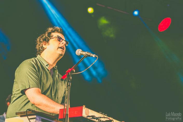 samuel teclado vocals festival sol caparica musica fotografia concerto carga ombro